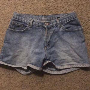 Size: 5 No Boundaries shorts.